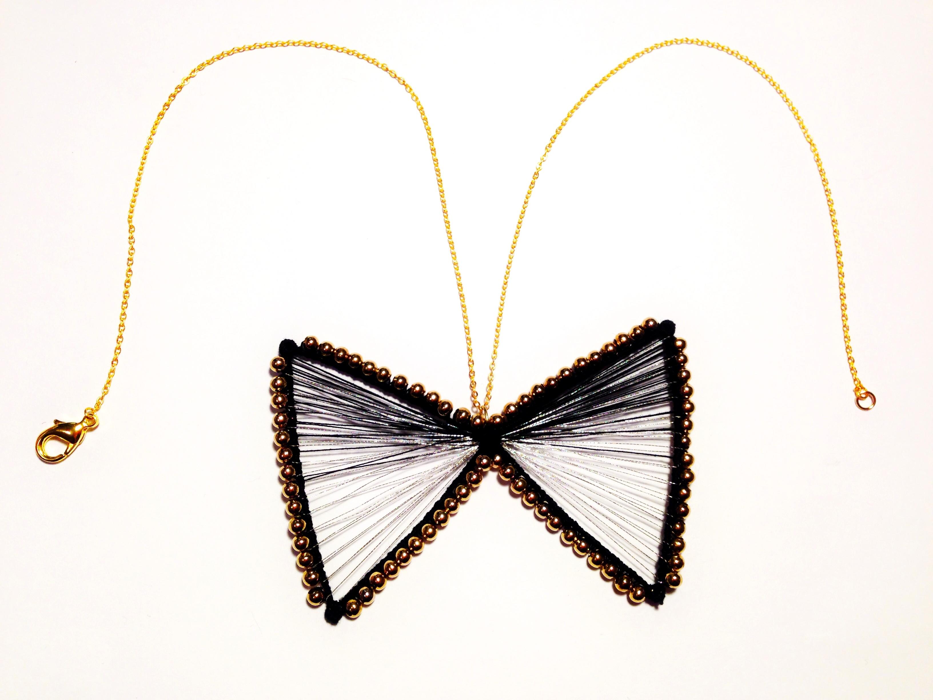 Collier fil papillon noir et argent