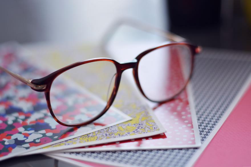 porter des lunettes pour le style