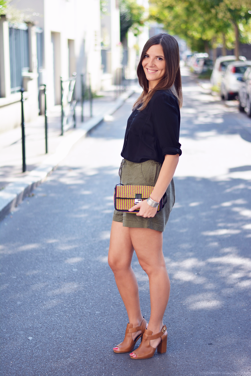 short taille haute kaki