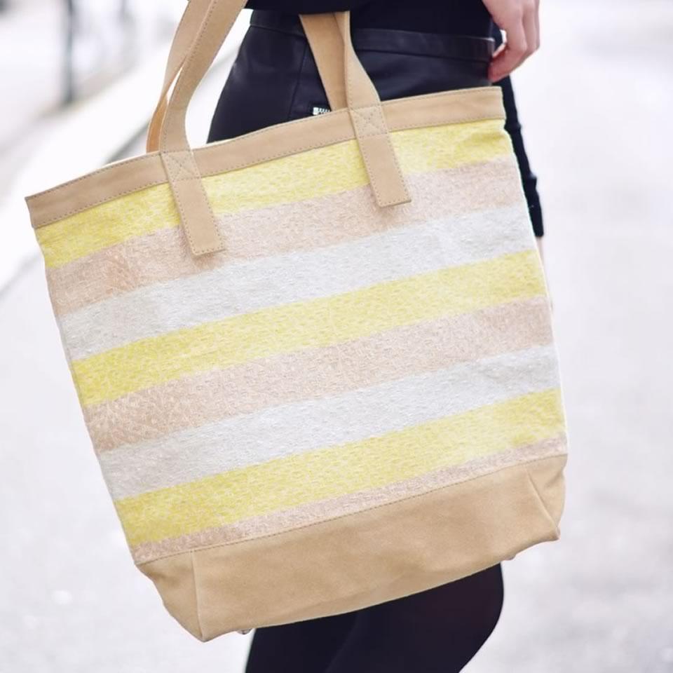 sac jaune et gris
