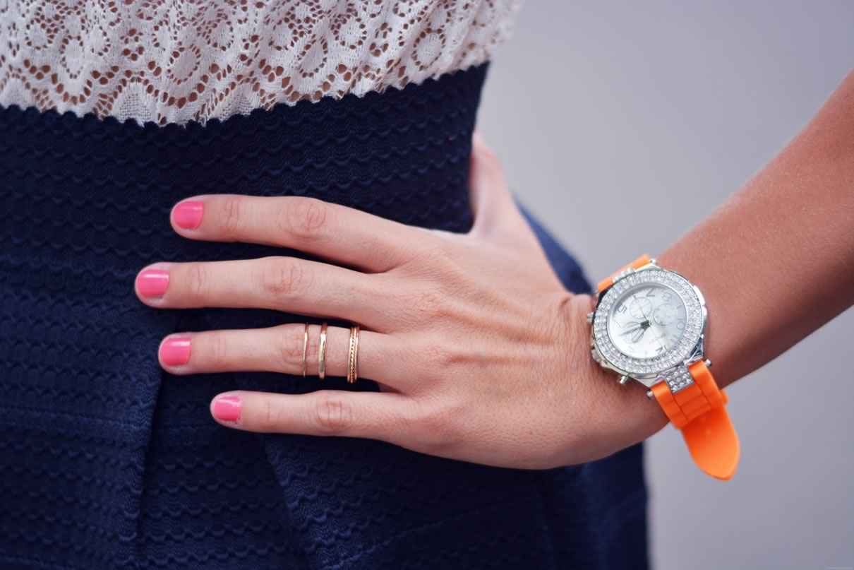 montre orange waterproof