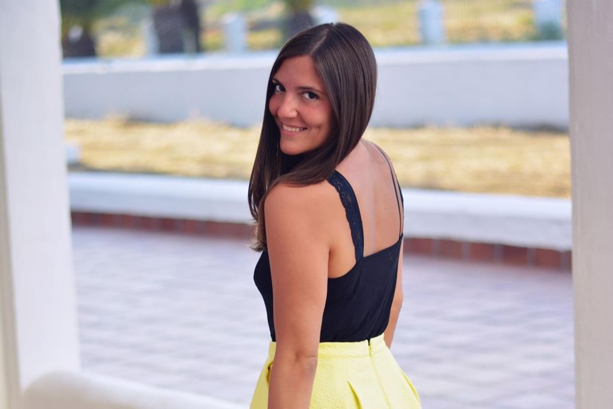 porter-la-jupe-jaune