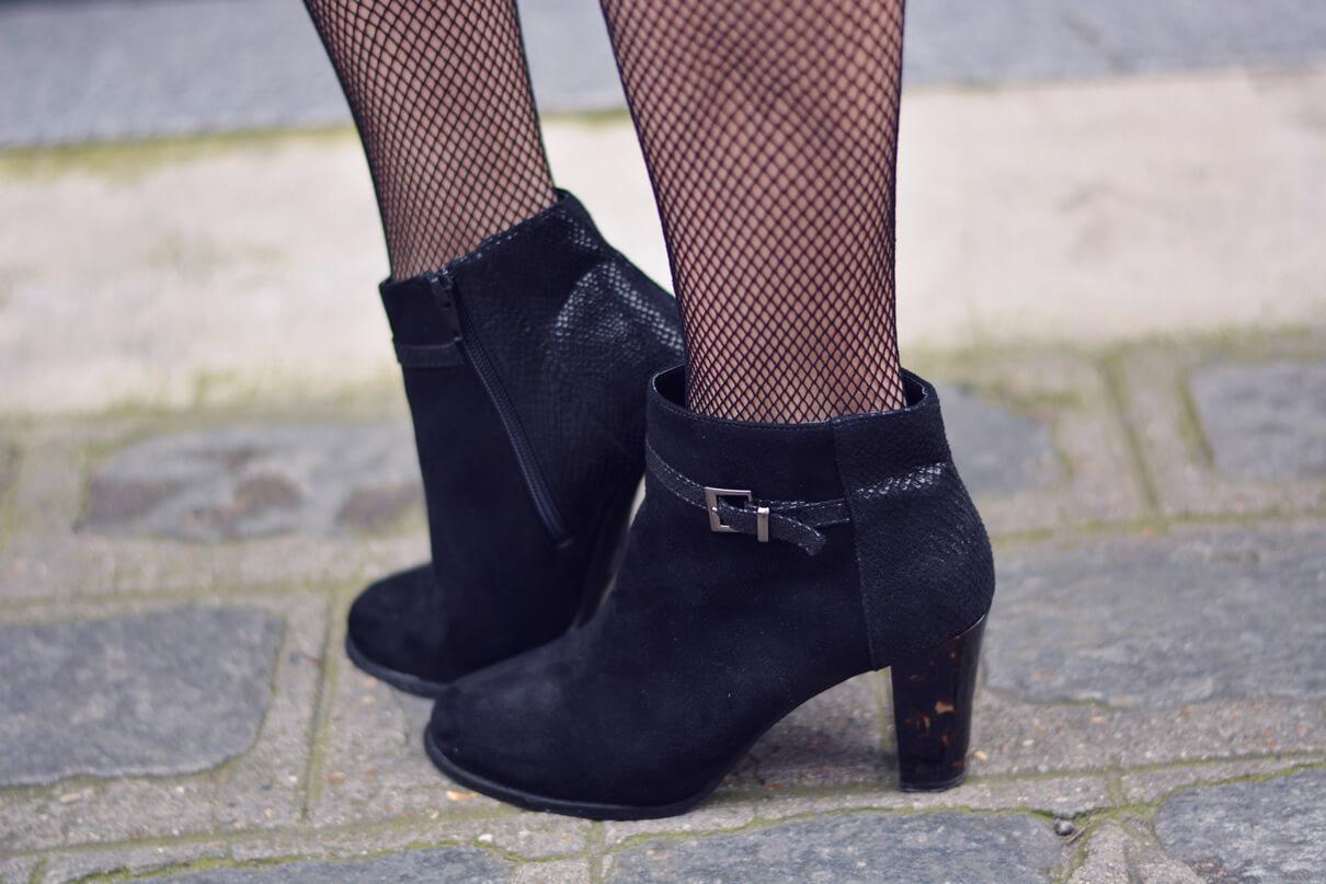 bottines et collants resille blogueuse mode paris