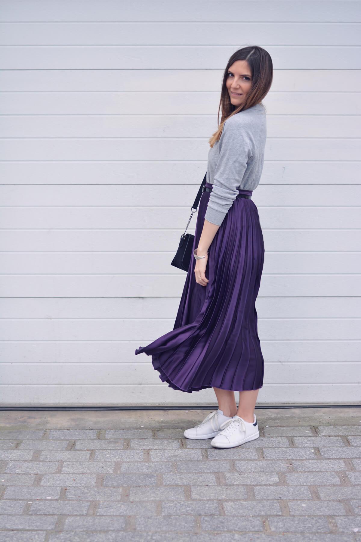 look tendance avec une jupe plissee blog mode paris les caprices d iris