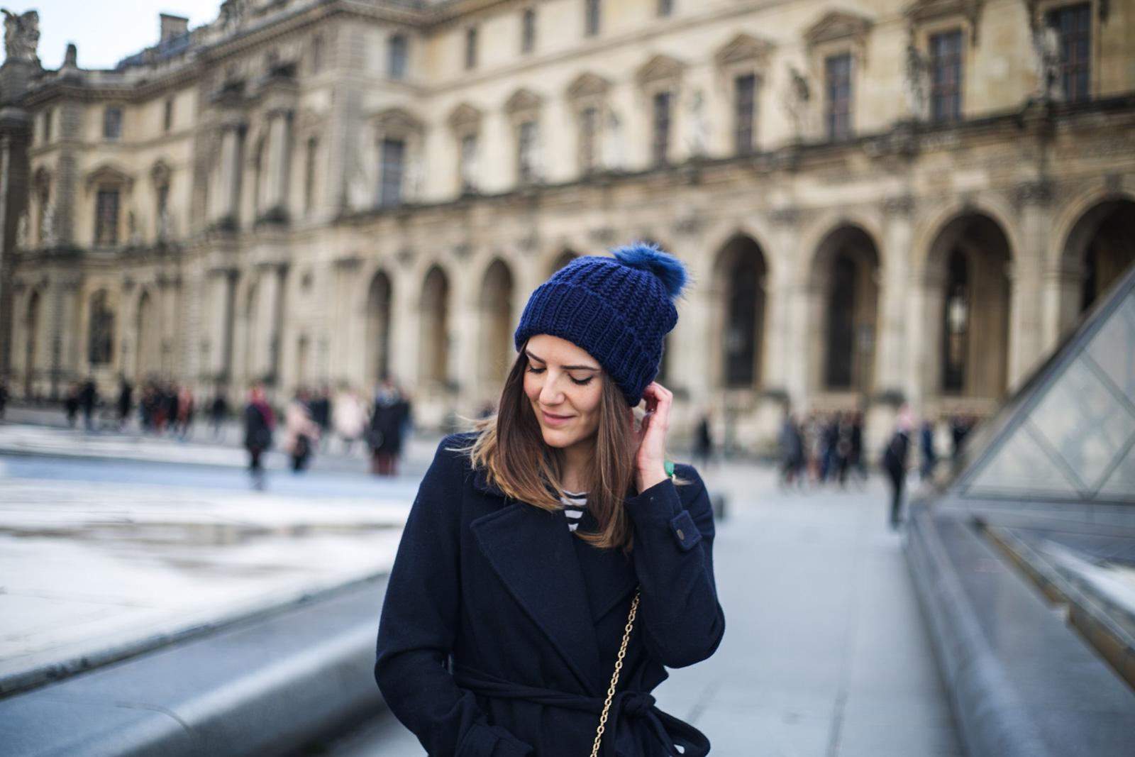 comment porter le bonnet a pompon blog mode et tendance les caprices d iris