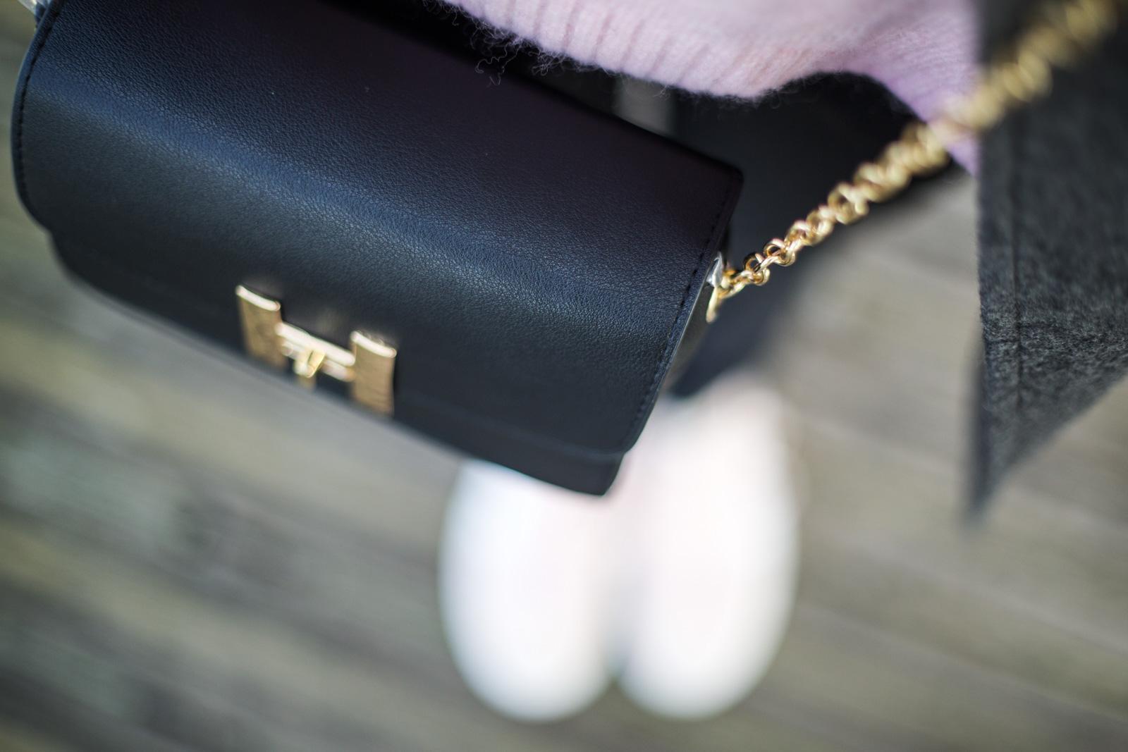 sac a main noir et or